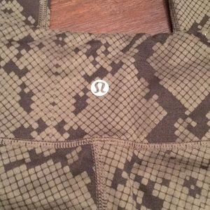 lululemon athletica Pants - VERY RARE!!! Lululemon snake skin crop leggings!